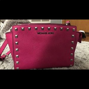 michael kors cross body AUTHENTIC